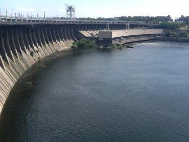 presa de Zaporizhzhya sobre el río Dnieper