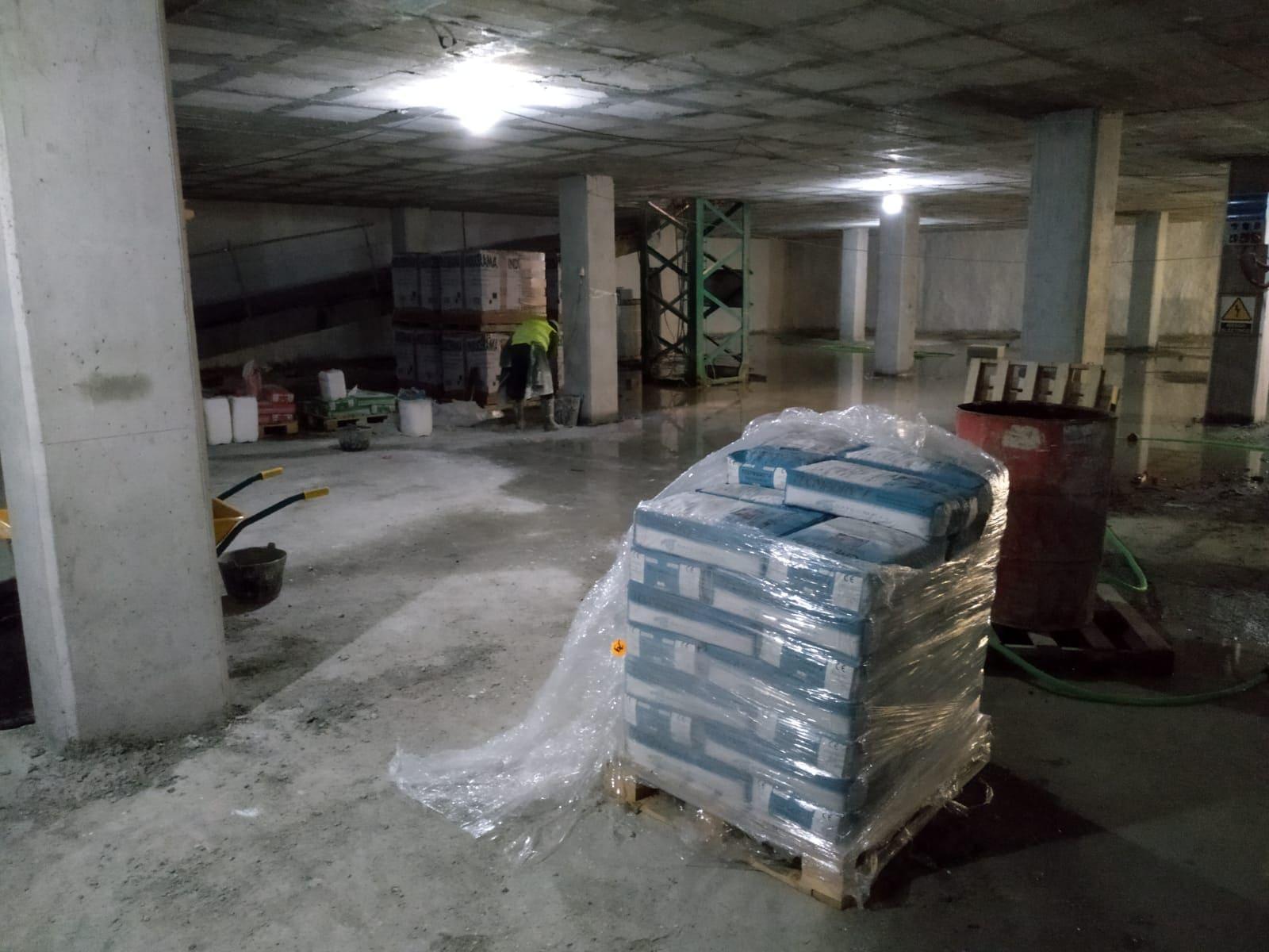obra garaje con aplicación tecmadry-premhor-cryladit