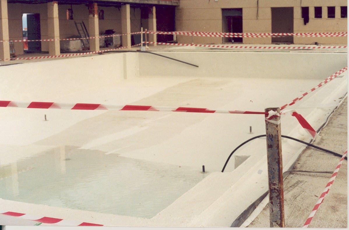 piscina vacia tratada con tecmadry elast
