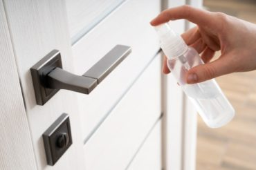limpiar el pomo de puertas