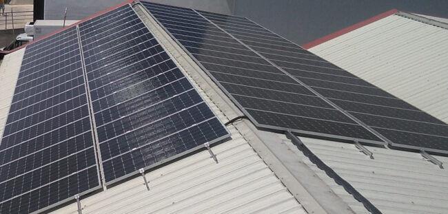 Imagen placas solares cubierta satecma