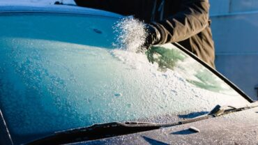 eliminar el hielo del parabrisas